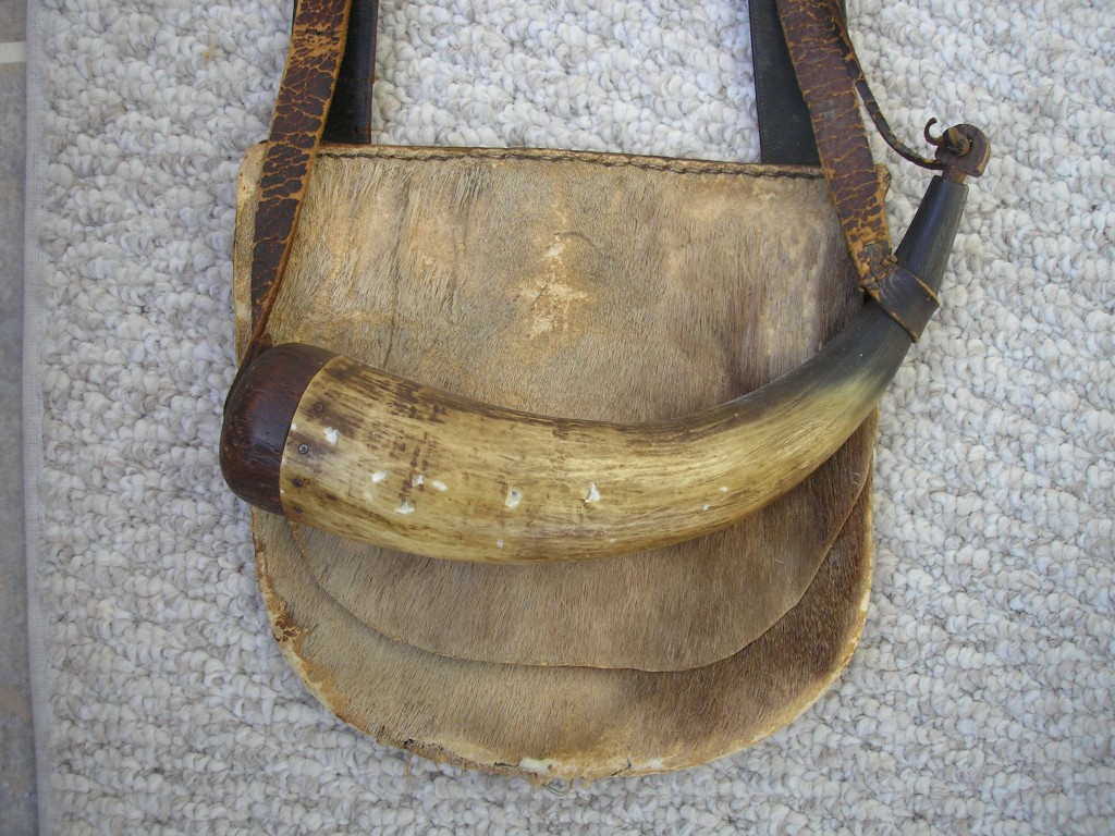 Bag set american powder horns